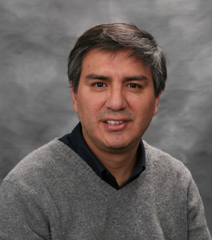 "Publicación del profesor Gabriel Rodríguez ""The New Keynesian Framework for a Small Open Economy with Structural Breaks: Empirical Evidence from Perú"""
