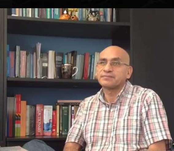 El profesor Waldo Mendoza fue entrevistado en vivo sobre el manejo de las incertidumbres en la economía y la fluctuación del dólar.