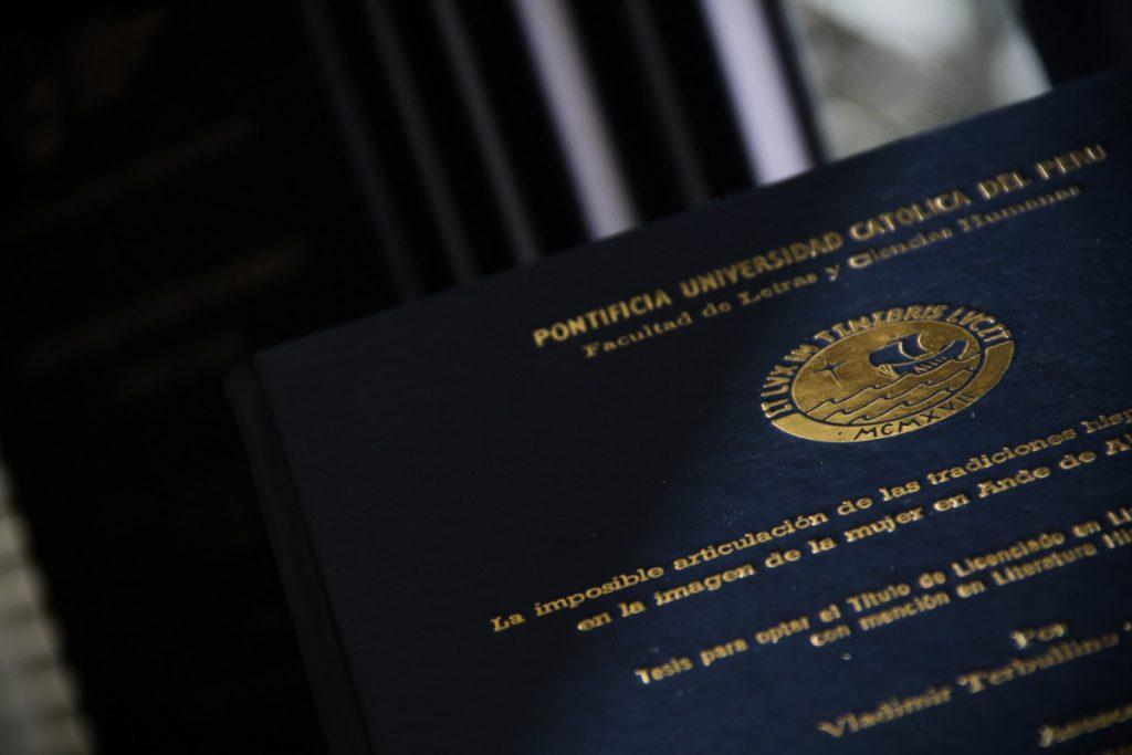 Documentos para presentar tesis | Facultad de Letras y Ciencias Humanas